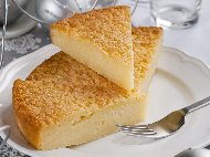 Рецепта Кейк (кекс, сладкиш) с грис, кисело мляко, яйца и масло
